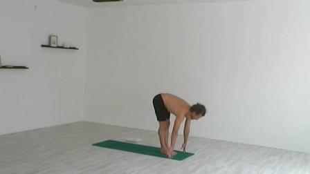 瑜伽拜日式,瑜伽人开启新年的最佳模式!