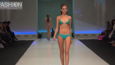 巴黎时装周个性泳装秀,模特缓缓走来,观众心花怒放