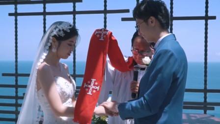 安徽25岁警花,与35岁农村小伙相恋,没要彩礼就结婚,警花皮肤白嫩,身材前凸后翘,亏了