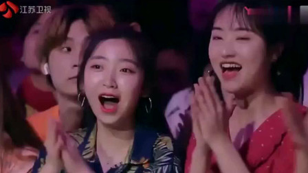 新相亲大会:混血帅哥崔嘉鑫,牵手美女教师冉雪这对颜值超高啊!