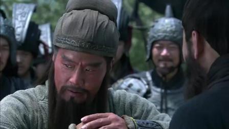 《三国》曹操宁负天下人,却不愿意负关羽,关羽太受曹操的喜爱了