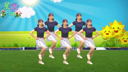 一首《北京的金山上》经典来袭,美女动人舞步,让人难忘