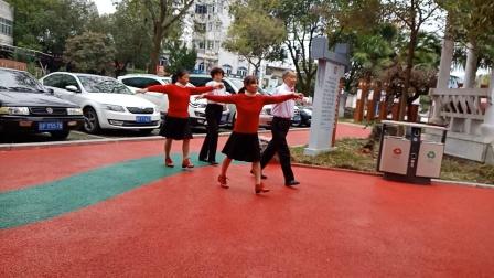 新探戈家乡喜临门双人舞队松富和平,榴萍阿平表演