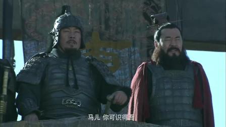 《三国》许褚大战马超,马都累的乏力,两个猛将居然不累