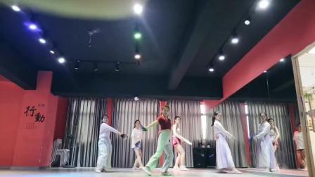 现代舞美女舞蹈健身视频