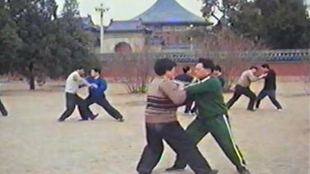 冯志强太极推手,几十年前的影像,这才是真有功夫啊!