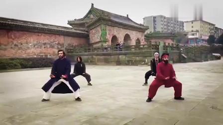 外国小哥展演武当绝学龙华拳,这气势,能到武术几段?