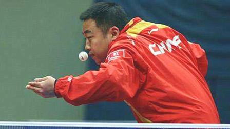 """有一种""""发球""""叫刘国梁,老外当场崩溃摔拍:不打了,他作弊!"""