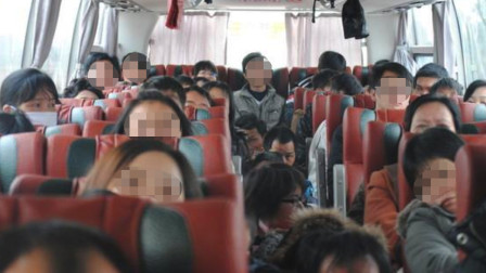 预约座位泡汤,乘客拍照举报超载客车,司机耍花招被拆穿