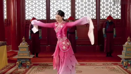 甄嬛传:甄嬛跳惊鸿舞,果郡王突然出现吹笛帮她伴奏,两人配一脸