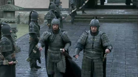 《三国》许褚本想与刘备一战,结果被张辽拦下,气的许褚跑过来跟曹操告状