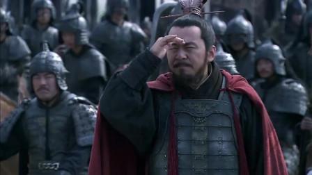 《三国》赵云第一次登场就如此勇猛,曹操大吃一惊,吕布已经够猛了,此小将比吕布还猛