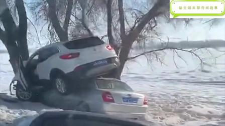 回家路上的一幕,女司机开车玩叠罗汉,看着太可怕了!