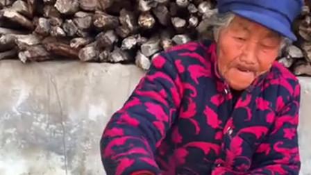 南方老奶奶做山里的腊味,这样的一盘菜,我最少能吃10个煎饼