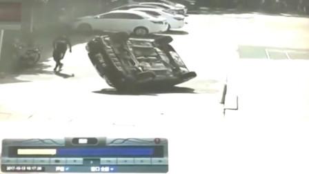 司机:我只负责倒车,至于车往哪里倒,那是车的事