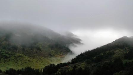 青山一道同风雨,明月何曾是两乡(湖北 神农架 航拍)