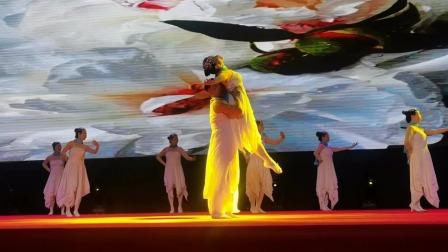 表演中的阳光之约残疾人舞蹈团