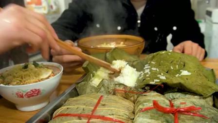 3斤糯米做荷叶鸡,嫂子一个就吃撑,一大盘配着泡面吃过瘾