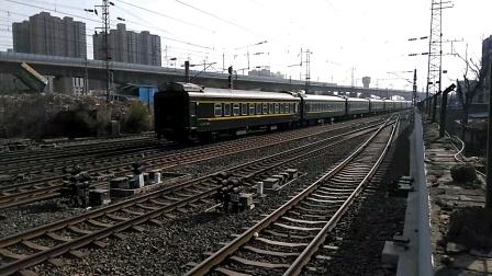 K8158次(宝鸡——西安)咸阳站2道开车