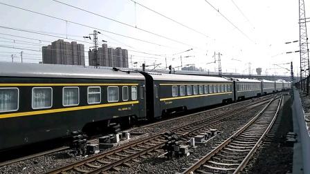 Z217/6次(上海——兰州)咸阳站1道通过