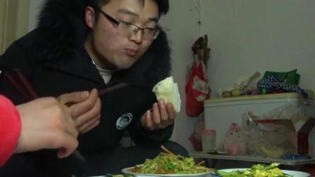 """大sao今年""""最素""""的一餐,3斤二荆条做主食?媳妇要掀桌子了"""