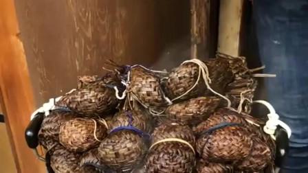 草席裹土豆,这是云南有名的美食,有机会一定要尝尝!