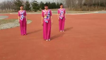 尹各庄广场舞     鸟儿对花说         清琴娜仨姐妹