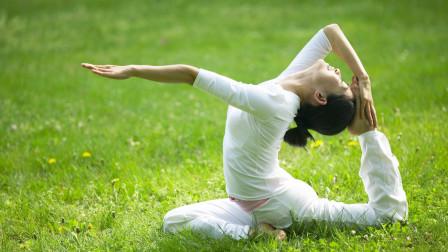 最美鸽式,伸展腰腹胸背,还能帮助调节脊椎