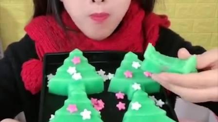萌姐试吃:彩色圣诞小树果冻糖,好看又好吃,甜甜的超美味