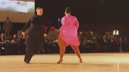 两个胖子激情拉丁舞《为了谁》