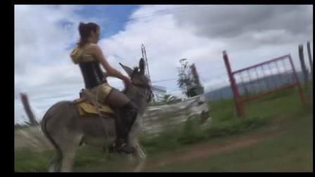 美女骑马104