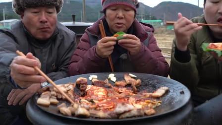 韩国农村家庭的一顿饭,看上去很心酸,原来电视剧里的都是骗人的