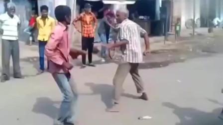 看到印度人的打架方式,是在跳舞吗?广东人都发出了猪叫般的笑声!