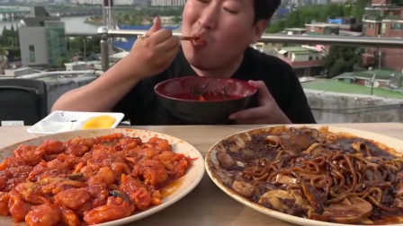 韩国大叔吃辣酱炸虾和炸酱面,一个人的生活真自由