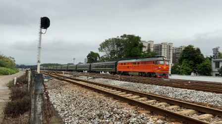 广茂线火车视频,K365次列车,广州-昆明,通过春湾站