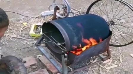 牛人发明: 湖南郴州小哥做的万能烤箱,想吃什么放进去就可以了!真方便!