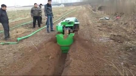 牛人发明: 湖南郴州大叔研发的耕地机,开沟平地一步到位,可以申请专利了!