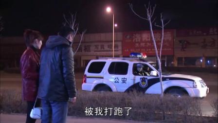 男人酒驾,当着交警的面超速,交警追了上去