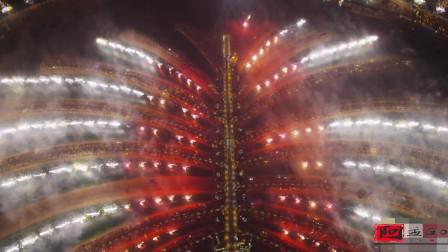 感受一下来自迪拜的烟火表演,太土豪了!