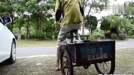 许华升:开三马车的技术没谁了,路上的大妈都懵了