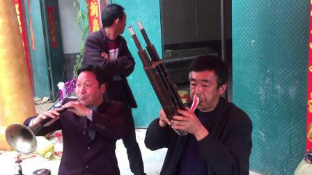 河南唢呐演奏民间小调《小白菜泪汪汪》,吹得很悲伤,听哭很多人