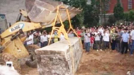 诸葛亮墓被挖出,棺椁中仅有一把扇子,专家:他果然没骗我们