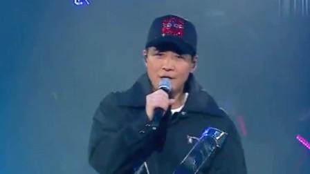 歌曲黎明和陈小春同台合唱《友情岁月》