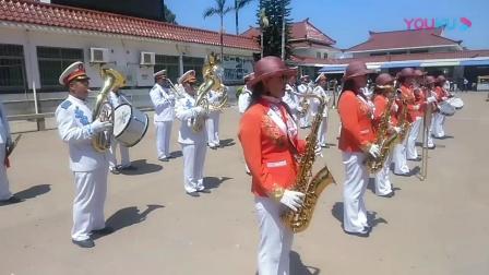 泉州埕边管乐团表演现场, 总指挥陈金红。