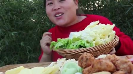 4斤羊杂5斤羊肉,胖妹嘴馋吃香辣羊杂火锅,吃起来真过瘾
