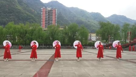 镇巴老年健身协会巜我的祖国》背面演示