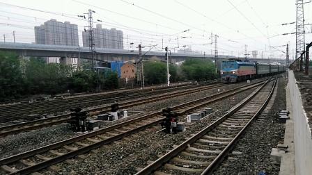 K245/8次(扬州——成都)咸阳站1道通过