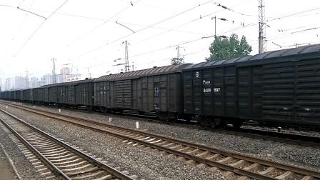 HXD2 1585货列通过