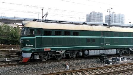 DF4 6501货列临停咸阳站1道