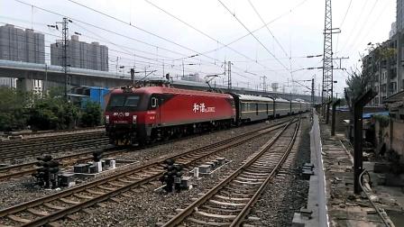 Z41/0次(上海——乌鲁木齐)咸阳站1道通过